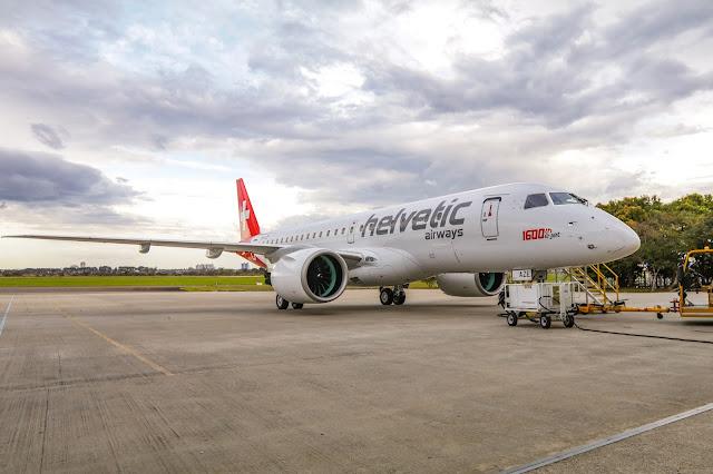 Embraer (EMBR3) entrega o avião E-Jet construído de número 1.600 à Helvetic Airways | É MAIS QUE VOAR
