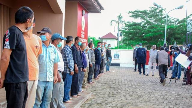 Nigeria Menangkap 17 Orang China karena Menambang Emas Ilegal