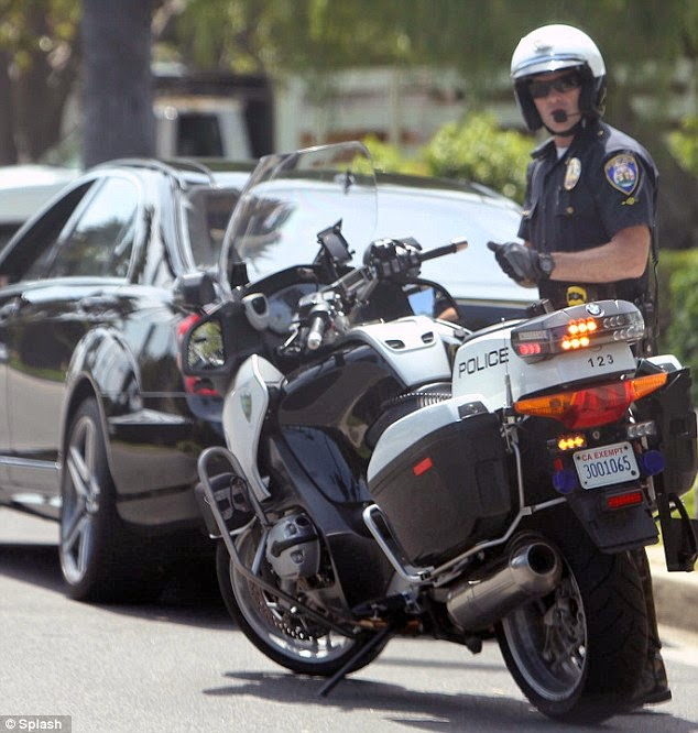 Sgt Al's Blog: LYFT DRIVERS AND THE POLICE AT LAX AIRPORT