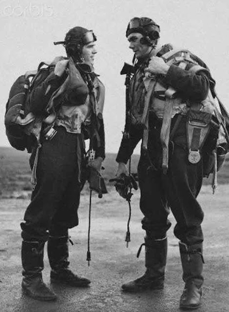Eagle Squadron pilots of RAF No. 121 Squadron,r 28 November 1941 worldwartwo.filminspector.com