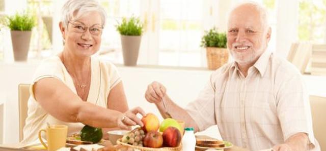 Pola Makan Yang Tepat untuk Anda yang Berusia 50-an