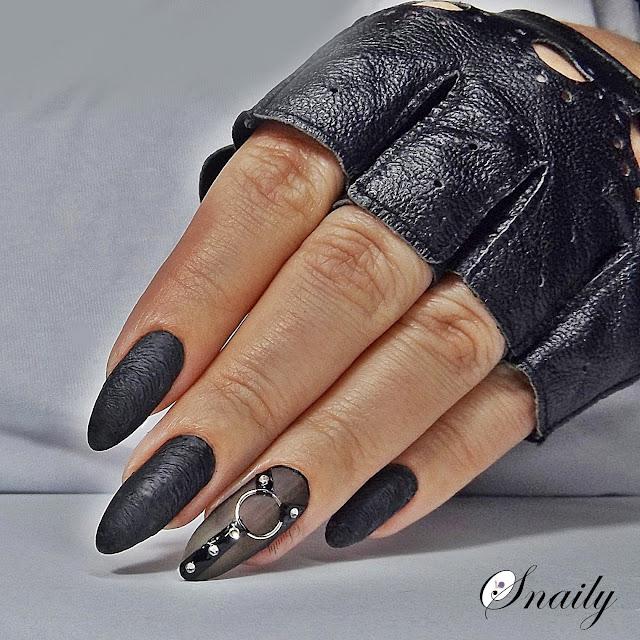 Skórzane paznokcie
