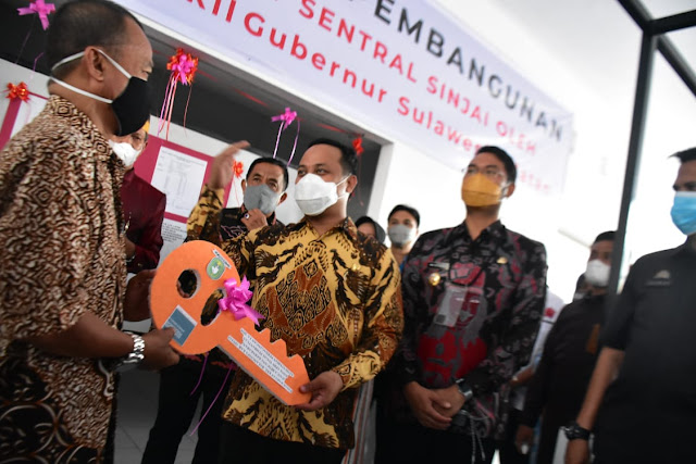 Moment HJS ke-457, Wagub Sulsel Serahkan Kunci Bangunan Baru Pasar Sentral Sinjai