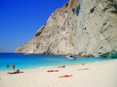 Top 10 Tebing Sisi Pantai Terbaik Di Dunia