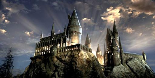 Fãs de Harry Potter poderão voltar a Hogwarts através de evento online