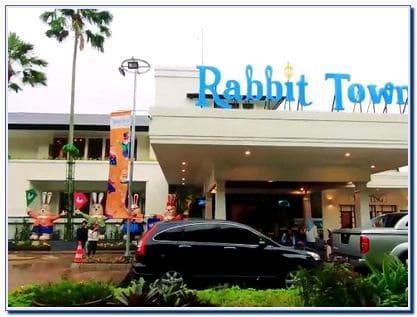 Rabbit town Bandung buka jam berapa