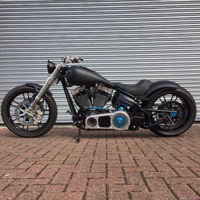 SOFTAIL bike from Warr's king's road Customs 02