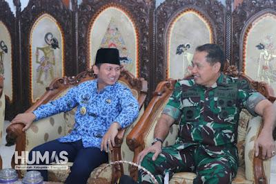 Sambut Gubernur AAU, Plt. Bupati Nur Arifin: Suatu Kehormatan Bagi Masyarakat Trenggalek