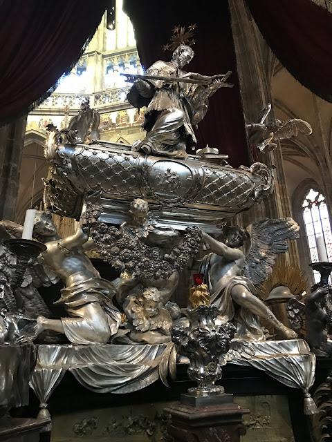 Tombeau de St-Jean Népomucène cathédrale Saint-Guy Prague