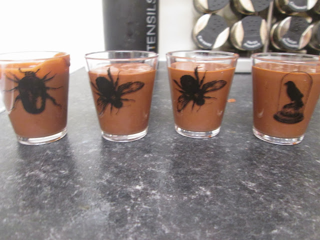 children's chocolate Halloween pots and recipe perfect treats for a Halloween party
