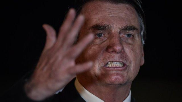 Sonho de Bolsonaro do voto impresso chega ao fim e presidente cogita não disputar eleição