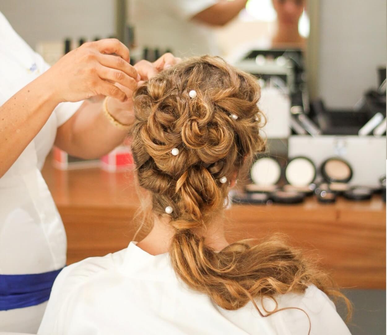 A rede de hiperlojas Ikesaki oferece cursos para profissionais de beleza em São Paulo e Osasco!