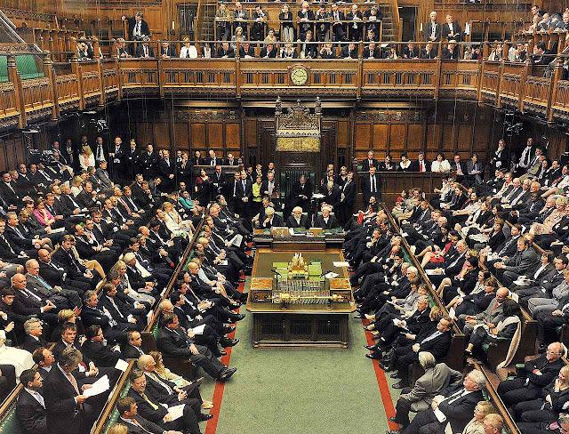 Sessão da House of Commons, a Câmara dos Deputados britânica.