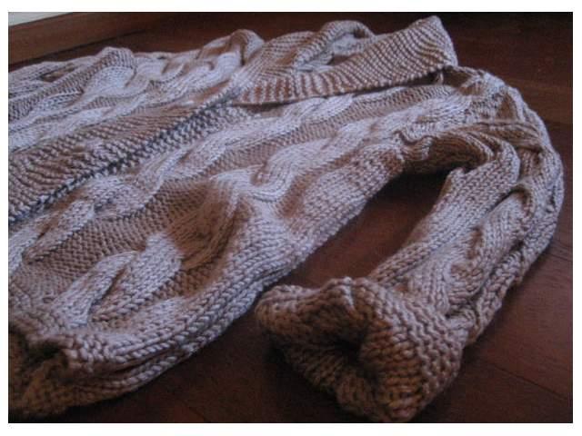 8218d8f94bc8 Transforma una chaqueta de lana en un cojín ~ Olvídate de la crisis