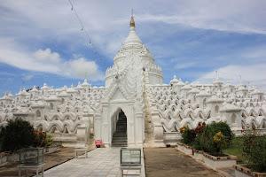 Pagoda Myatheindan (Mingun, Mandalay, Myanmar)