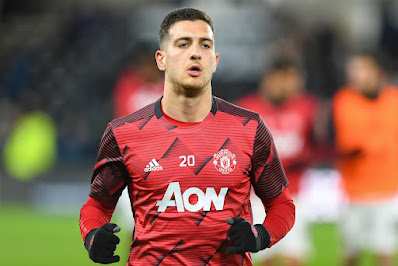 Fabrizio Romano drops Man United transfer update that should leave fans concerned - opinion