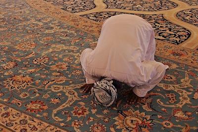 Materi Agama Islam SMP Tata Cara Sujud | Slide PPT