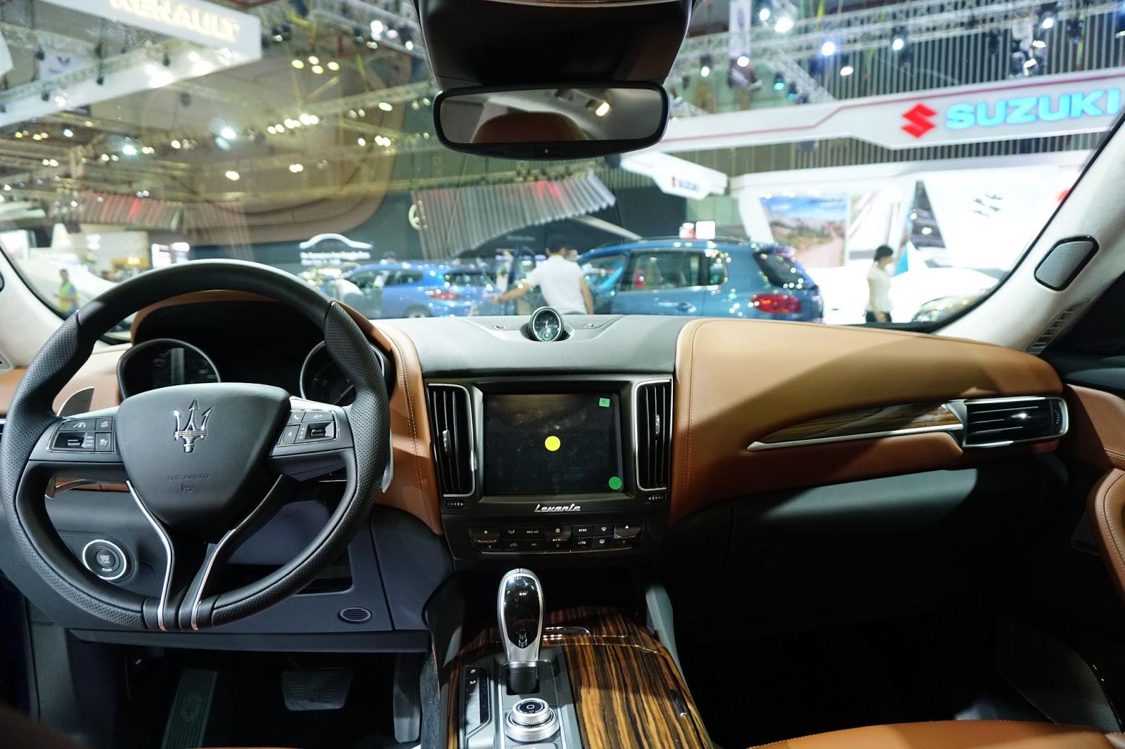 Rất nhiều tính năng an toàn, thông minh được trang bị trên xe