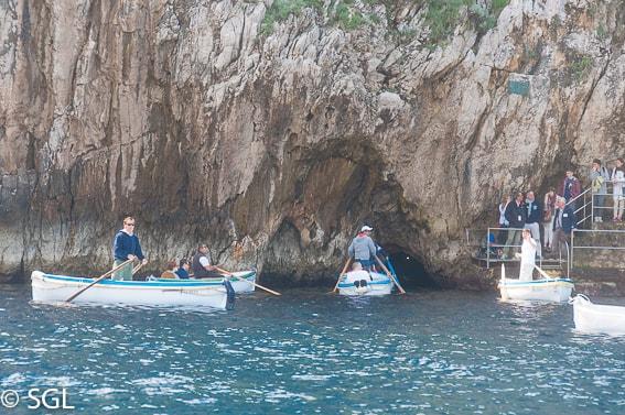 La gruta azul. Entrada en barca a la cueva. Capri