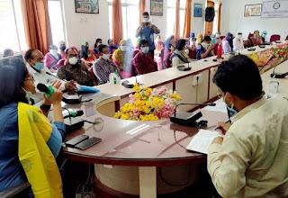 फेरीवालों, कृषकों और महिला समूहों के आर्थिक उत्थान के लिए वृहद स्तर पर तैयारी