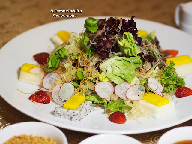 Fruits & Garden Green Yee Sang served with Strawberry Dressing