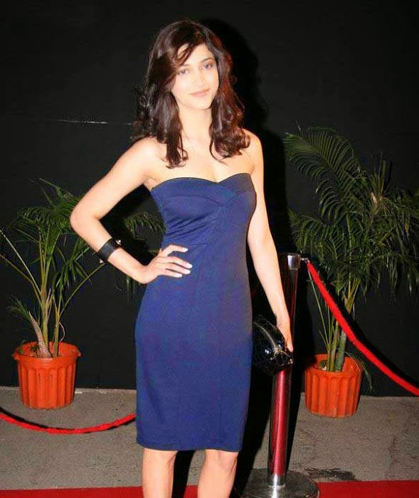 Actress Shruti Haasan Latest Cute Hot Exclusive Beautiful Black Dress Spicy Photos Gallery