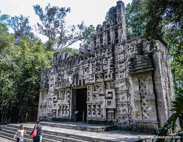 Reprodução de um Templo Maia no Museu Nacional de Antropologia do México