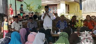 Bupati Labuhanbatu Bagikan 160 Paket Sembako Di Desa Pondok Batu