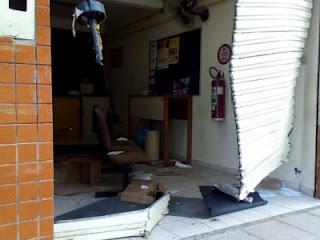 Bandidos explodem mais uma agencia dos Correios; alvo agora foi o distrito de CG