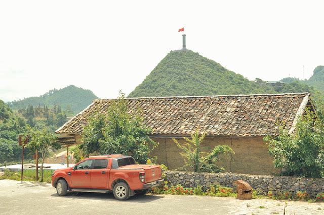 """Lo Lo Chai: """"Homestay"""" village and Café North Pole in Rocky Plateau 1"""