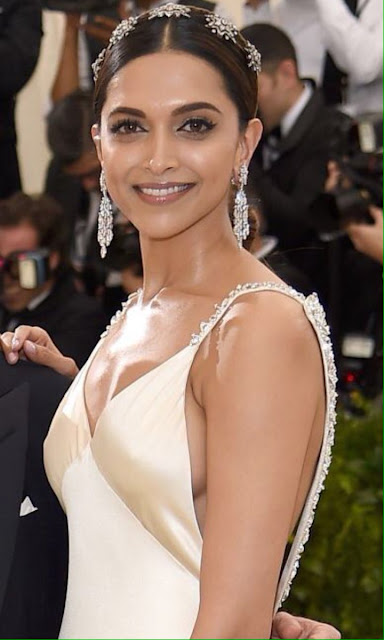 The beautifuldeepika padukone at the MET Gala 2 (1)