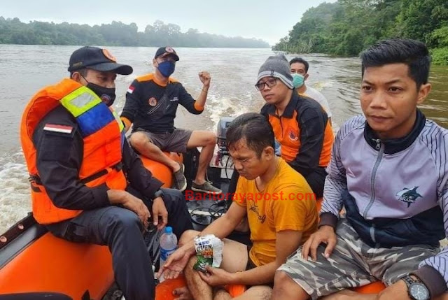 Geger, Warga Beriwit Terjun bebas di Jembatan Merdeka, Besok Pagi Ditemukan Diatas Pohon