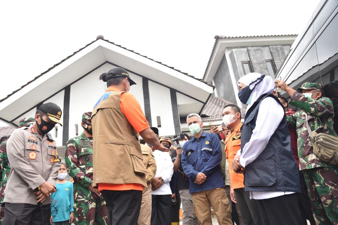 Pantau Aktivitas Semeru, Khofifah Minta Antisipasi Bencana Lebih Optimal