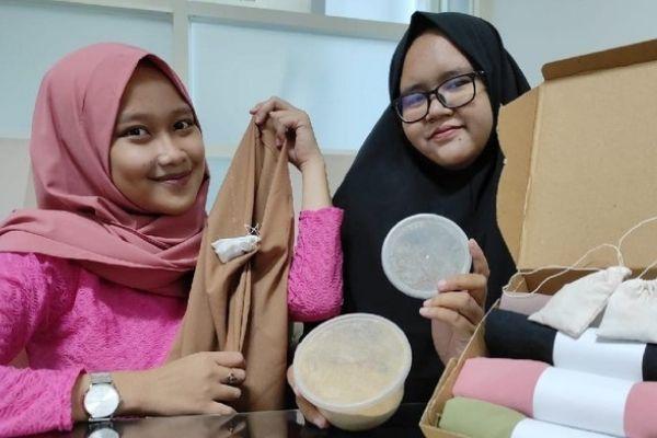 Jilbab Anti Bau Apek Karya Mahasiswa Unusa