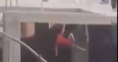 إصابة طفل بكسر فى الحوض نتيجة سقوطة من اعلى منزله بسوهاج.