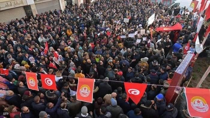 ذكرى الثورة التونسية دون احتفالات رسمية -بعد 10 سنوات من الثورة.. مطالب التونسيين ترواح مكانها