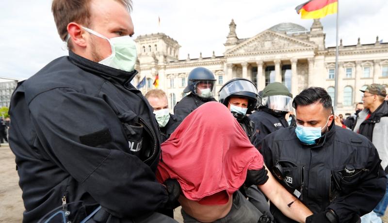 Protestai prieš COVID-19 karantiną Vokietijoje, vyriausybės atsisakymas priverstinės vakcinacijos. Šamiras apie Švedijos ir Baltarusijos pergalę (video)