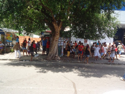 Resultado de imagem para parada das vans da praça santo antônio parnaíba imagens