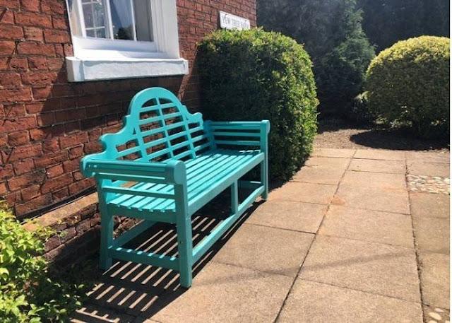 lutyens-bench-painted