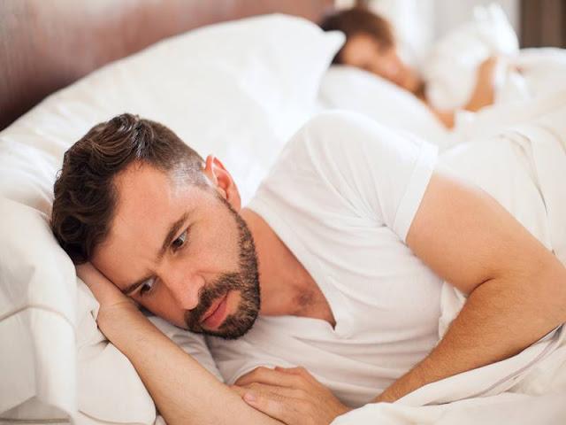 नींद की कमी से पुरुषों को होती हैं ये यौन समस्याएं, शादीशुदा जीवन हो सकता है खराब