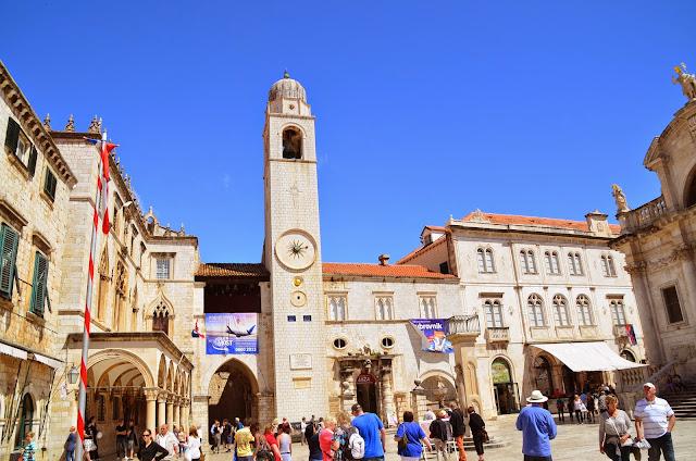 Torre do Sino e Brsalje Street, Dubrovnik.