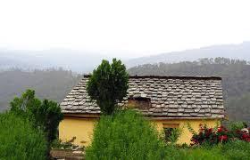 Houses in Peora, Nainital