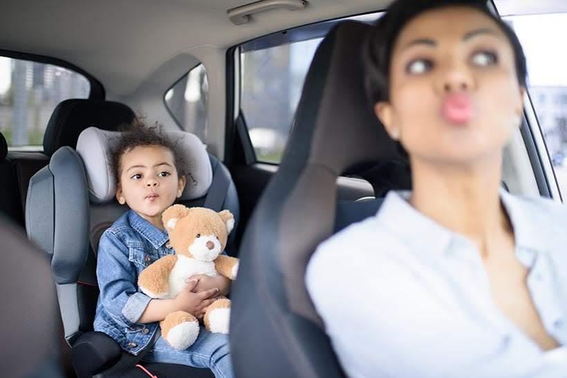 Locação de carro em Orlando: cadeira especial é obrigatória para crianças nos EUA