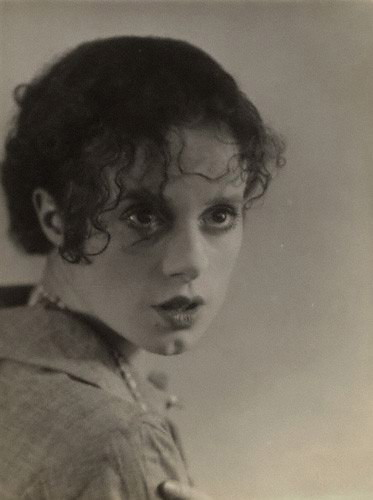 so it goes     the unconventional elsa lanchester