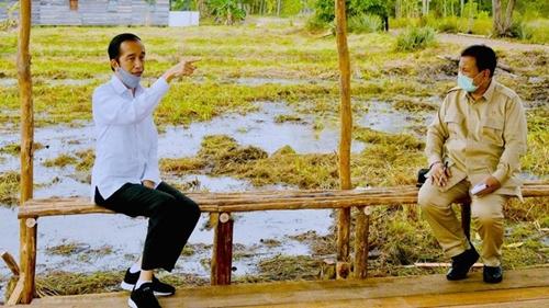 Gerindra Bicara Foto Lawas Prabowo dan Jokowi di Pilgub DKI