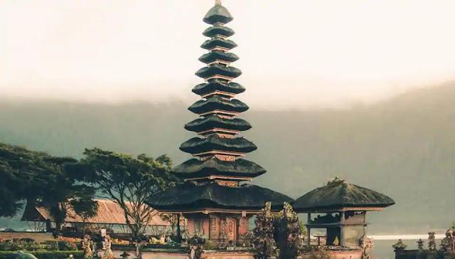 Covid-19:Bali holds mass prayers for reopening from coronavirus lockdown