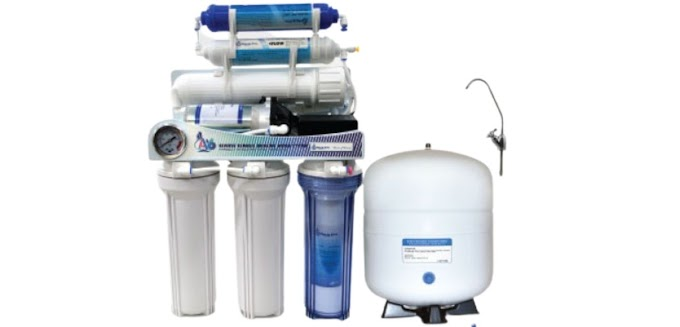 AQUA PRO SIX STAGE MODEL NO A-6 REVERSE OSMOSIS WATER PURIFIER.