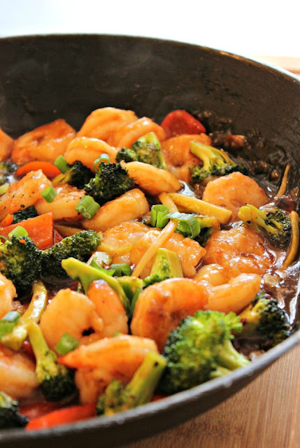 Seared shrimp and vegetables in a healthy stir fry