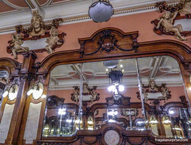 Detalhe da decoração do Café Majestic, Porto