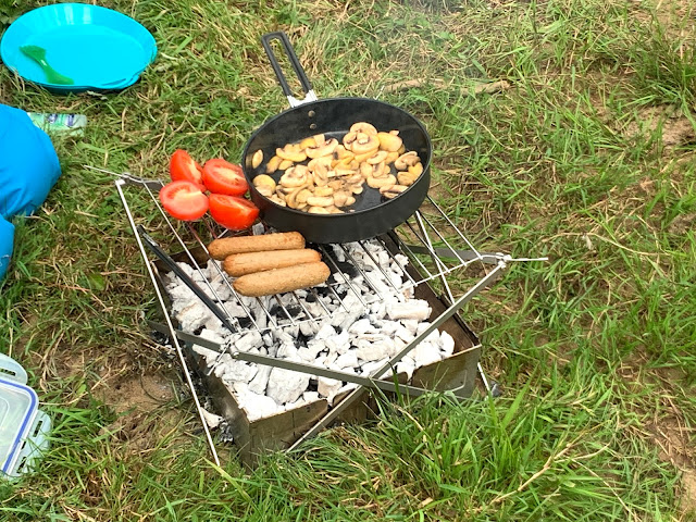 SUP vegan breakfast on the camp fire